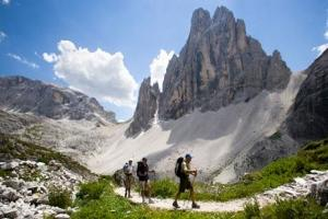 DOLOMITES TOUR    ( CHA Group - Private )